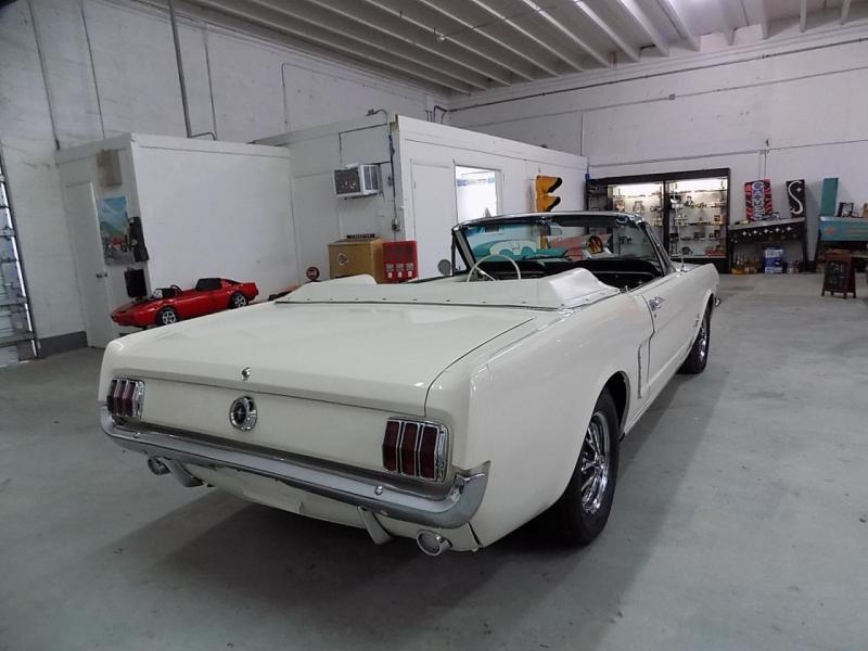 1964 Mustang cab